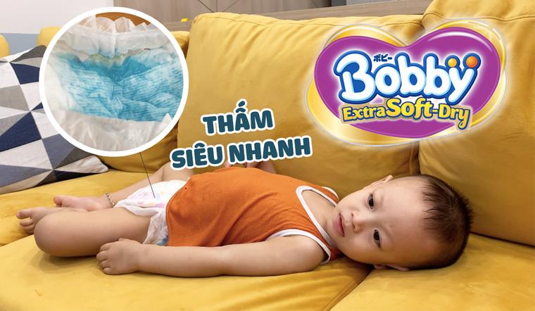 Thử khả năng thấm hút siêu nhanh của tã Bobby Extra Soft Dry và cảm nhận của mẹ bỉm sữa