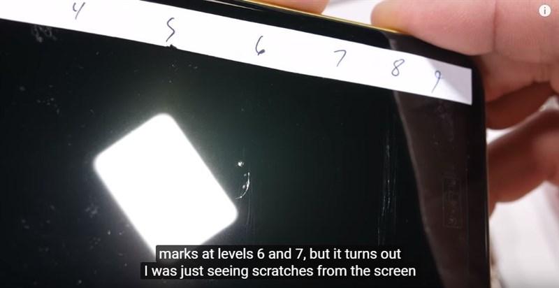 Thử nghiệm độ bền iPhone 11: Cào xước, nung nóng và bẻ cong