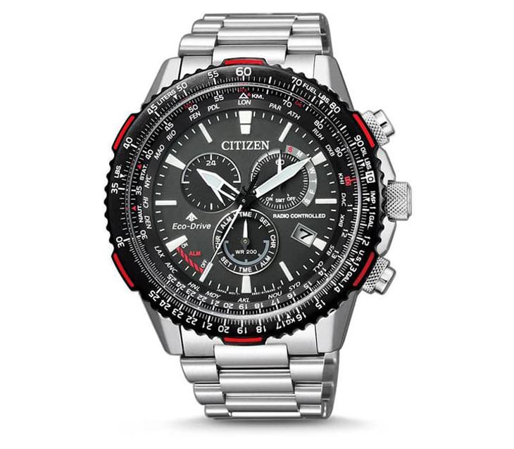 Vành bezel của chiếc đồng hồ này là thước trượt Slide Rules