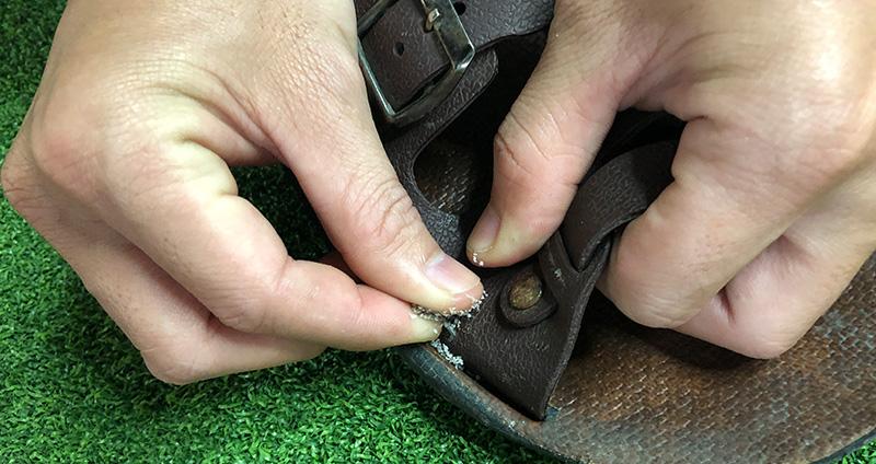 Kết hợp keo 502 và thứ này để dán giày, mang cả năm cũng không hở keo