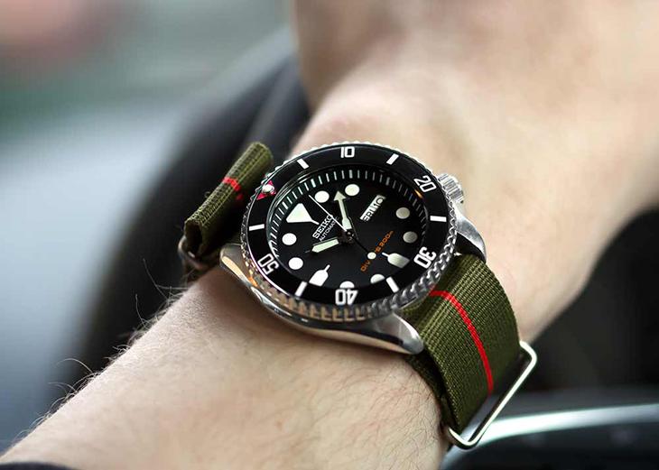 Đồng hồ dây vải thể hiện sự trẻ trung, năng động