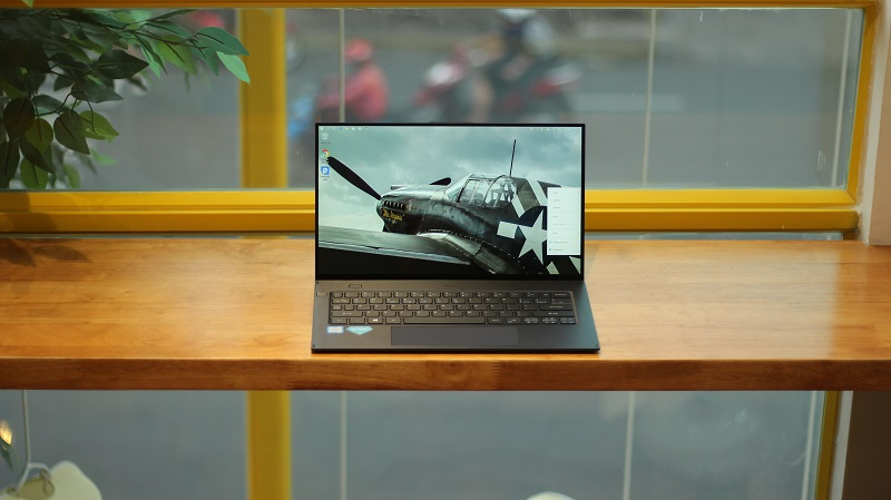 Laptop cuối tuần giảm giá