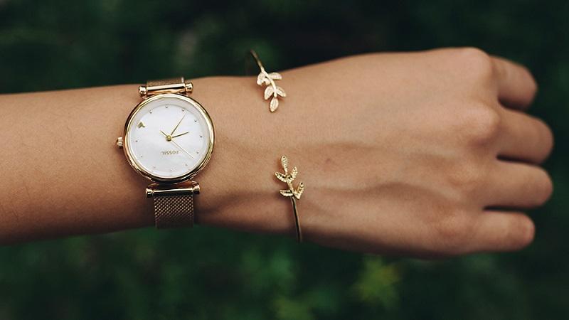Đồng hồ nữ bán chạy giảm giá