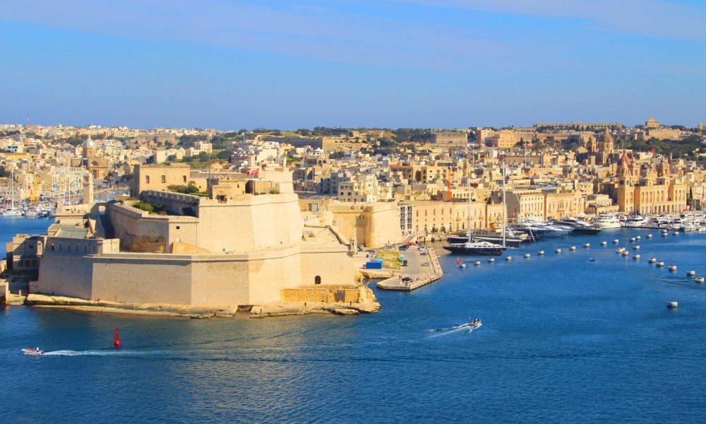 Malta sở hữu những bãi biển kỳ vỹ và hoang sơ