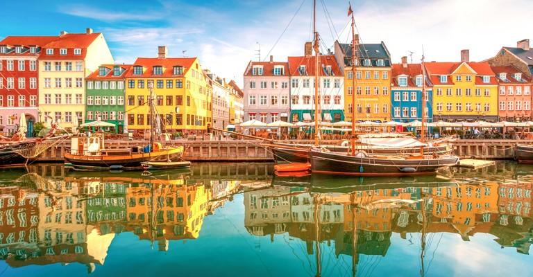 Toàn cảnh khu dân cư gần bờ biển Đan Mạch