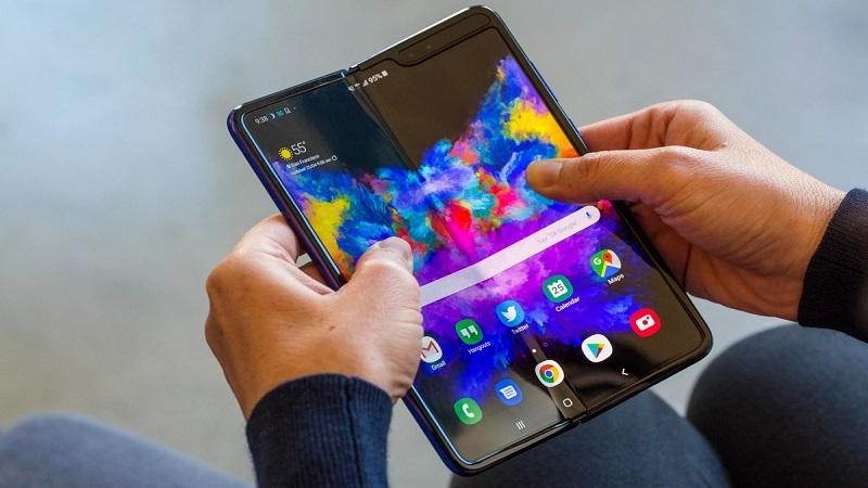 Nếu có xài Galaxy Fold hãy cẩn thận vì giá sửa màn hình sẽ khiến bạn 'hết hồn'! - ảnh 1