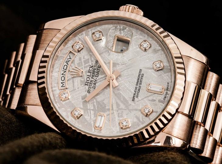 Mặt kính sapphire được trang bị trên những chiếc đồng hồ đắt giá
