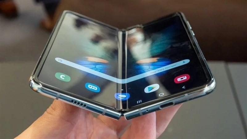 Dù đắt đỏ nhưng Samsung Galaxy Fold vẫn liên tiếp cháy hàng tại nhiều quốc gia - ảnh 1