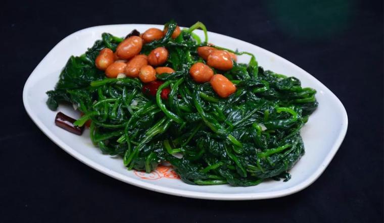 Rau bina kết hợp với thực phẩm này thành thuốc bổ quý giá