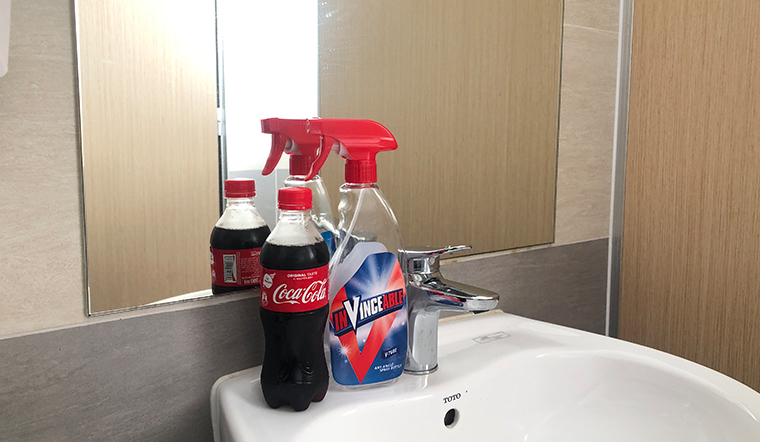 Lau gương sạch bóng không để lại vết ố bằng nước mà ai cũng thích uống