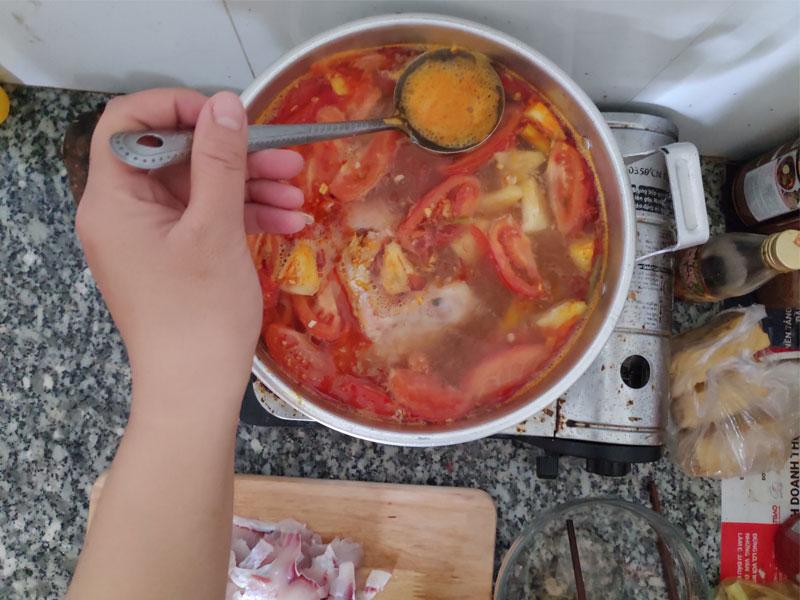 Cách nấu lẩu thái 4 người ăn no căng bụng chưa tới 200k