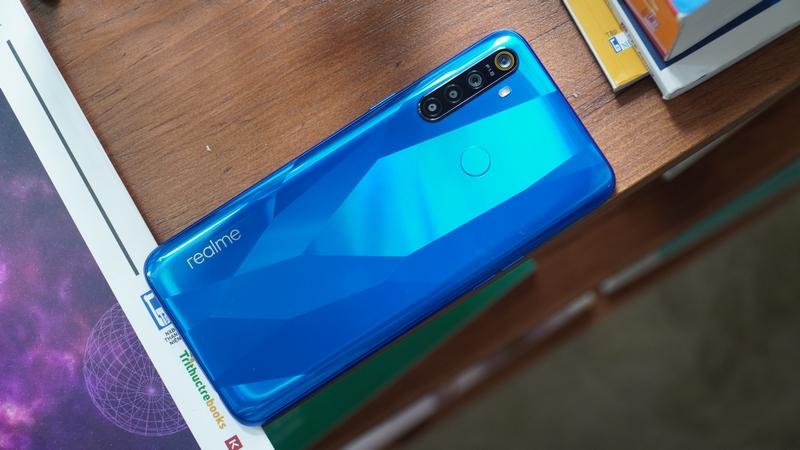 Realme 5 Pro 8 GB giảm giá