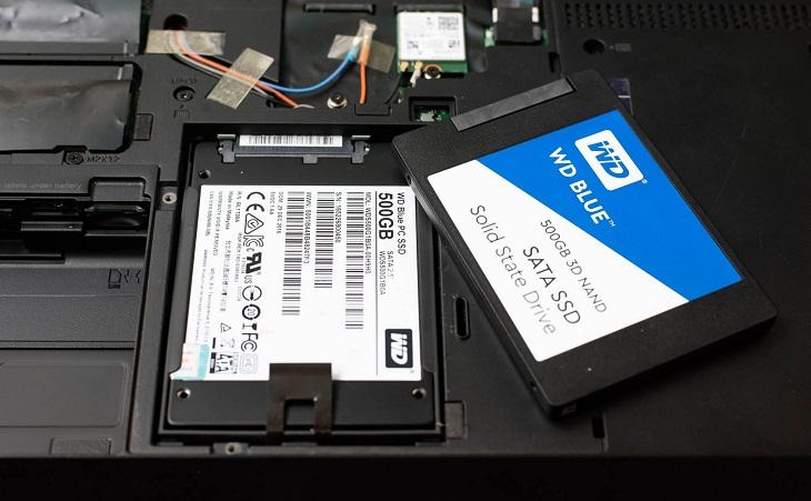 Laptop có lắp được cùng lúc SSD và HDD?