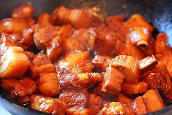 Bước 3 Kho thịt Thịt kho măng khô
