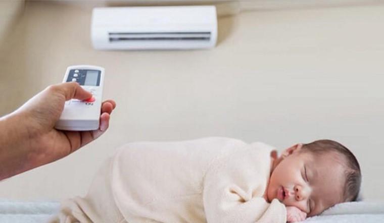 Có nên cho trẻ sơ sinh ngủ điều hòa? Cách sử dụng điều hoà an toàn cho bé