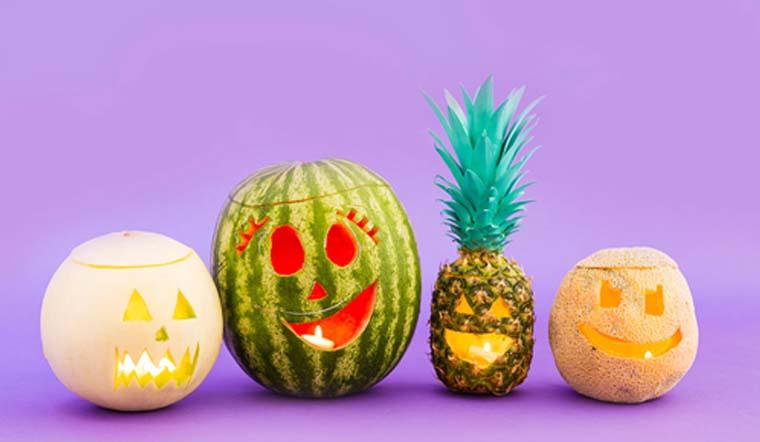 Làm lồng đèn Halloween bằng trái dứa trang trí bàn ăn cực đẹp