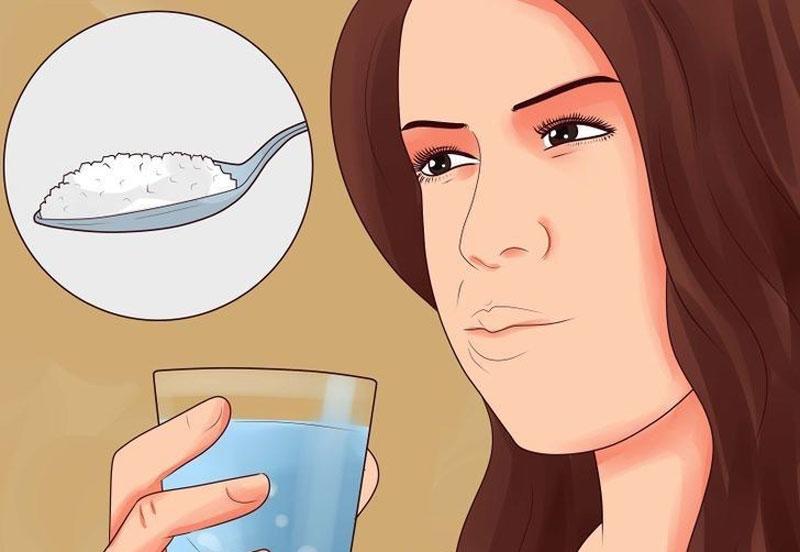 Sau khi nhổ răng có được súc miệng bằng nước muối không?