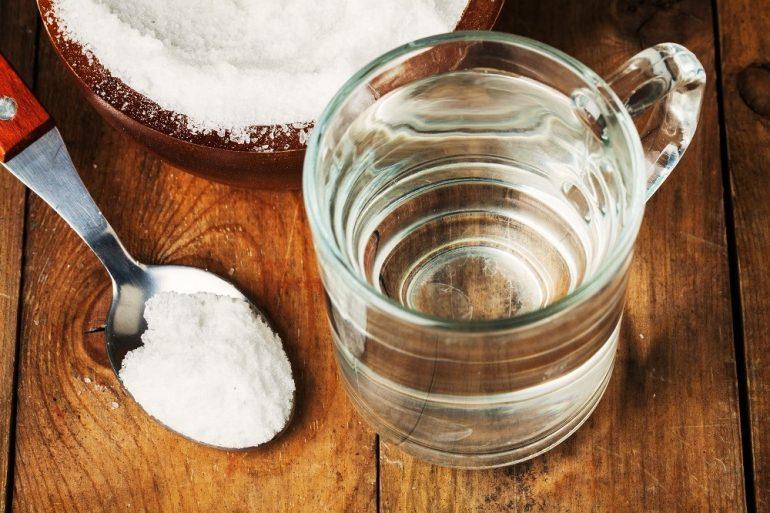 Cách rửa mặt bằng nước muối giúp đánh bay mụn và đẹp da