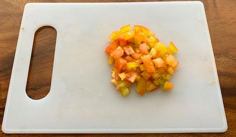 Chia sẻ cách cắt hạt lựu nhanh và dễ dàng