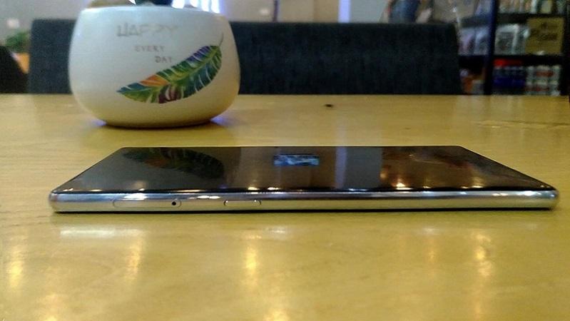 Rò rỉ ảnh thực tế của một smartphone mới đến từ BKAV, liệu có phải là Bphone 4?