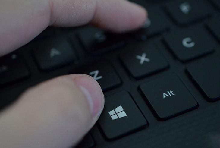 Nhấn phím Winkey + X