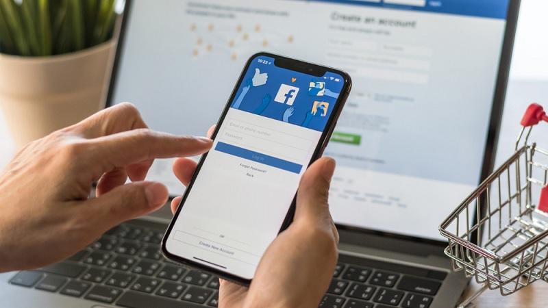Facebook tự động kích hoạt camera trên iPhone khi người dùng lướt News Feed