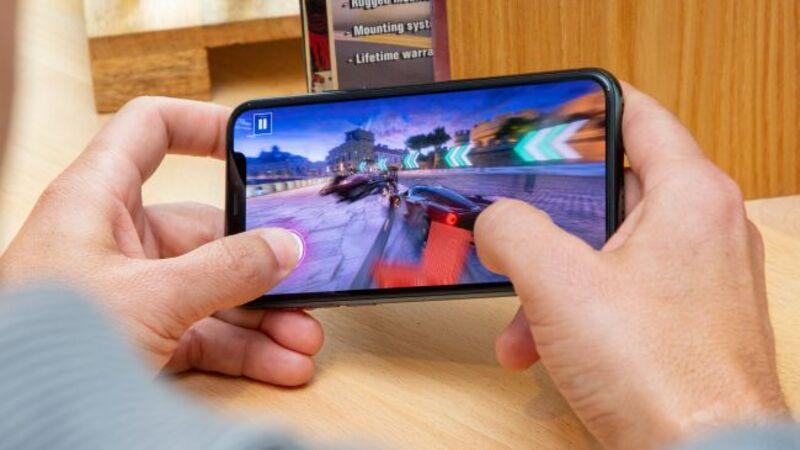 iPhone 11 Pro chơi game