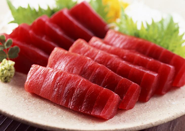 Bước 1 Sơ chế cá Salad cá ngừ sống