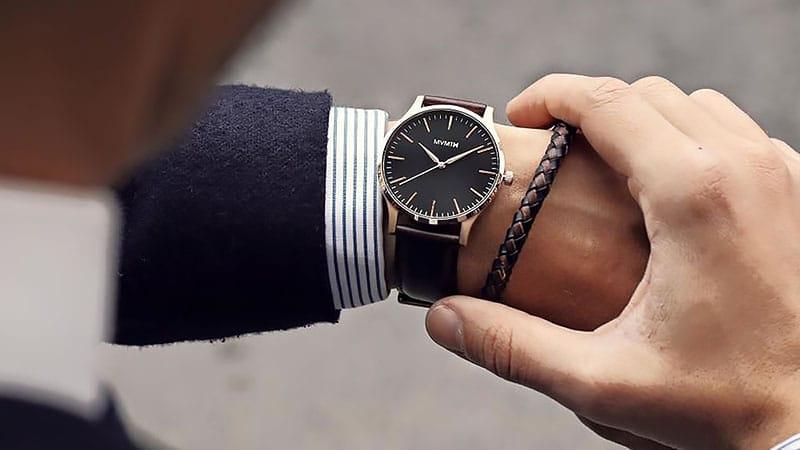 Đồng hồ thời trang giảm giá 49%