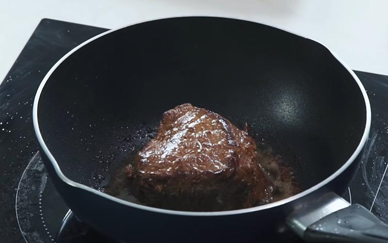 Cách làm bò bít sốt tiêu xanh, nước sốt cay cay đậm đà