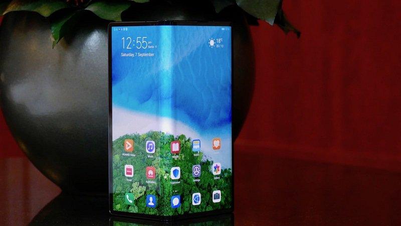 Huawei Mate X bị đội giá lên gần 200 triệu đồng, bạn thấy giá này thế nào?