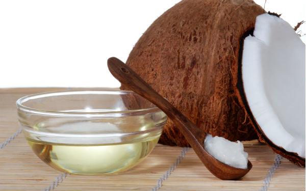 Dầu dừa có nhiều công dụng tốt