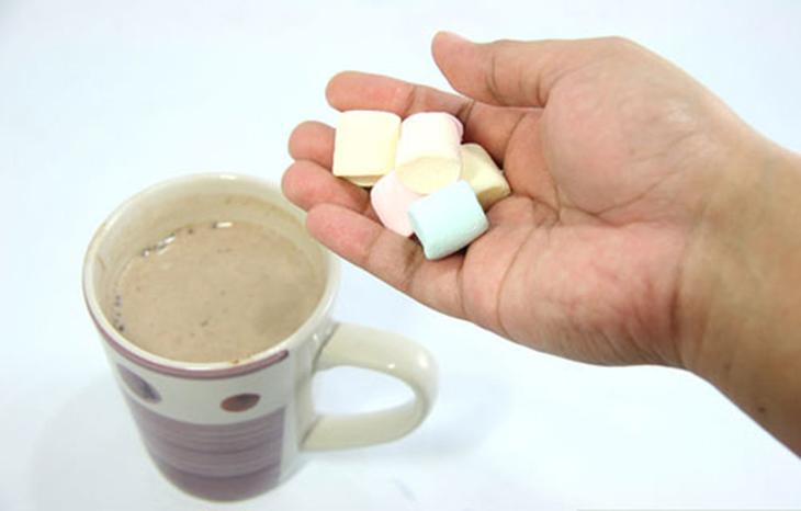 Bước 1 Thành phẩm Pha cacao nóng bằng bình nước nóng