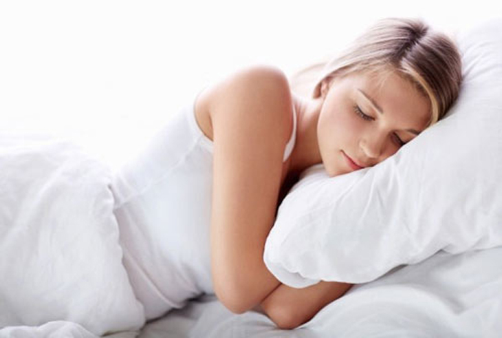 Ngủ ngon hơn với dầu dừa
