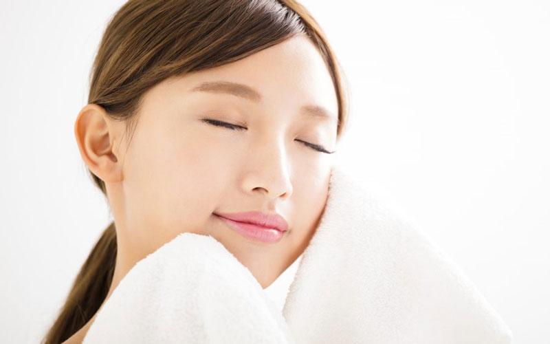Lưu ý cần biết khi massage xóa nếp nhăn trên mặt