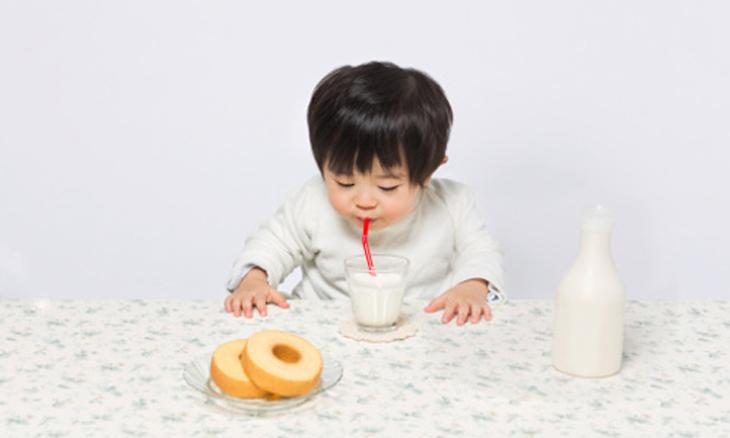 Trẻ em dị ứng với Protein có thể dùng sữa đậu nành để thay thế