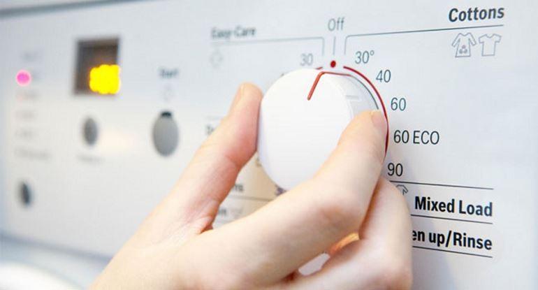 Chỉnh nhiệt độ trên máy giặt
