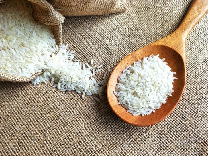 Đong gạo để nấu cơm là việc vô cùng quan trọng