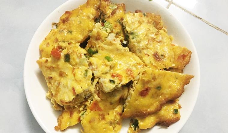 Chị Trâm chia sẻ cách làm trứng chiên tôm, cà chua đơn giản mà ngon cơm
