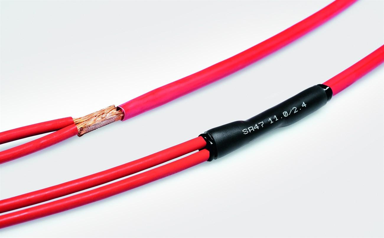 Luồn ống co vào dây tai nghe