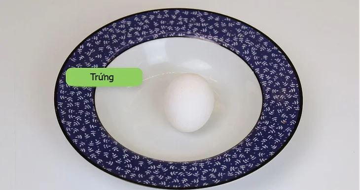 Nấu chín trứng không vỏ bằng lò vi sóng