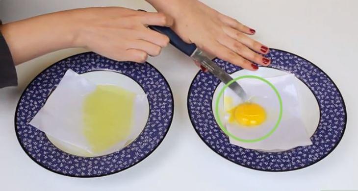 Đâm xiên lòng đỏ trứng