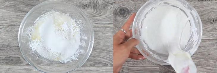 Bước 1 Trộn bột Chuối chiên giòn kiểu Thái