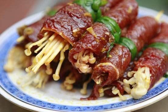 Bước 5 Thành phẩm Bò cuộn nấm kim châm nướng