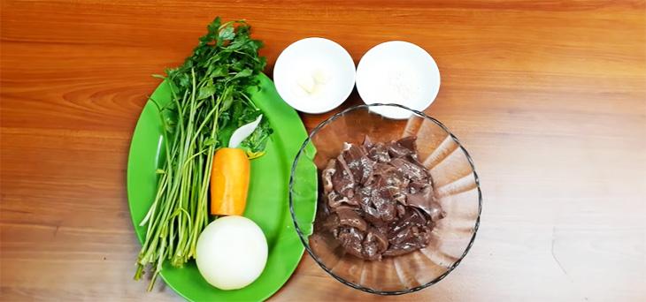 Nguyên liệu món ăn gan heo (gan lợn) xào