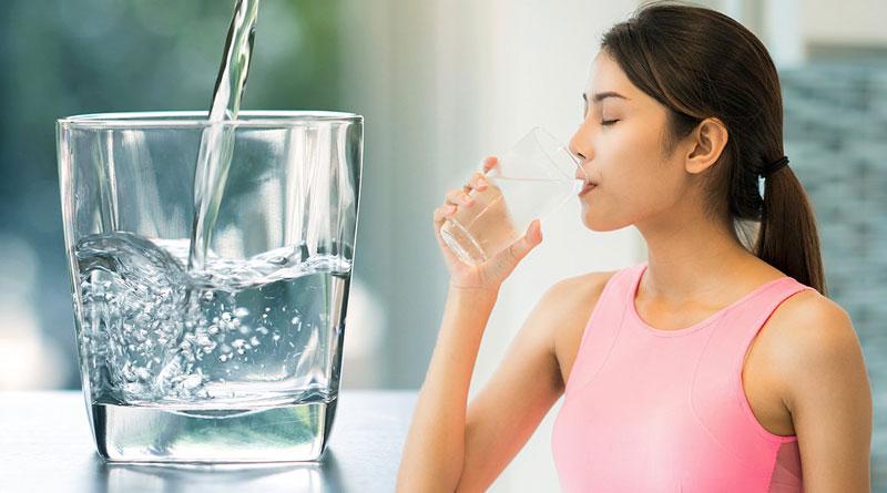 Nên uống nước gì vào buổi sáng và uống bao nhiêu là đủ?