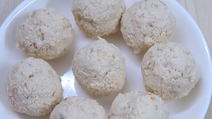 Bước 2 Trộn nguyên liệu và viên xíu mại Xíu mại chay sốt cà