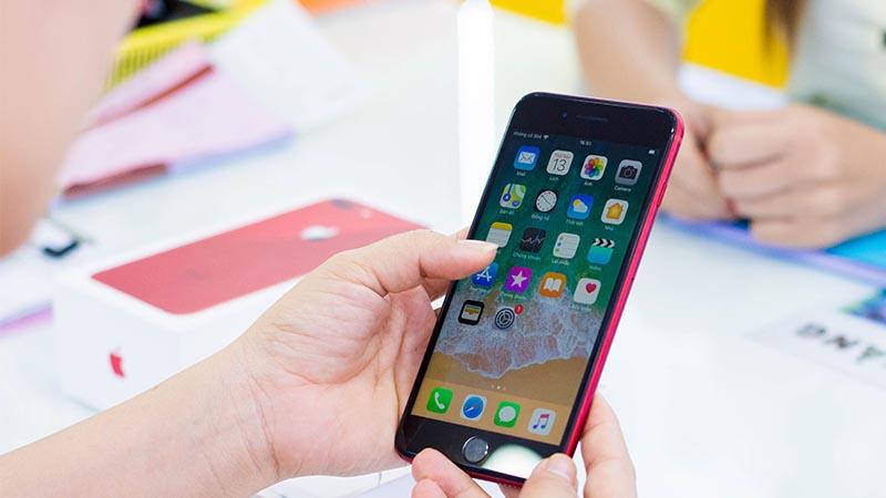 iPhone 8 Plus có dấu hiệu sụt giảm điểm hiệu năng rõ rệt