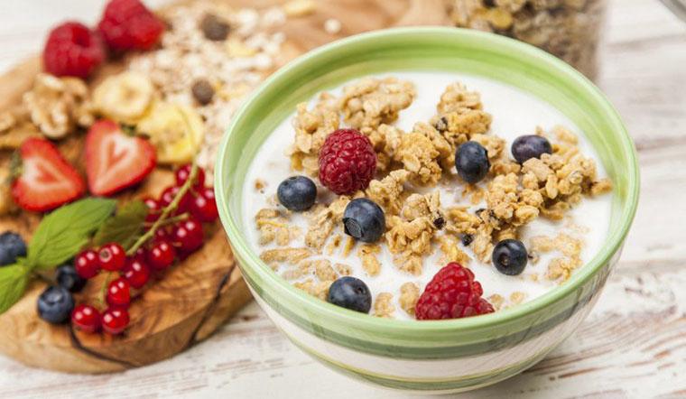 Cách ăn ngũ cốc với sữa tươi cho bữa sáng đầy năng lượng