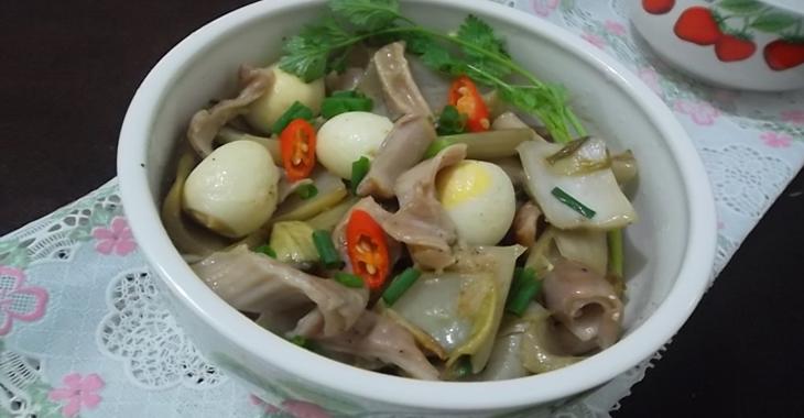 Bao tử heo kho dưa cải trứng cút